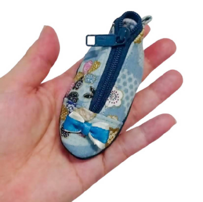 COIN POUCH ( THUMBELINA SHOE) 3