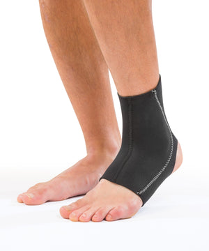 Mueller Ankle Neoprene Support Medium