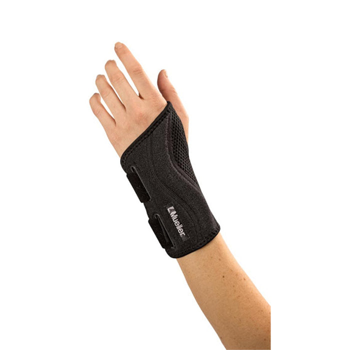 Mueller Fitted Wrist Brace Black OSFM