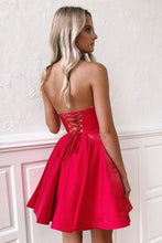 Load image into Gallery viewer, Simple Red Satin Sweetheart Strapless Homecoming Dresses Above Knee Short Prom XHMPST13939