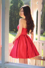 Load image into Gallery viewer, Sweetheart Simple Pleated Red Strapless Satin Party Dresses Short Homecoming XHMPST14194