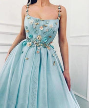 Load image into Gallery viewer, Elegant A Line Spaghetti Straps Tulle Scoop Prom Dresses with Appliques Formal Dresses XHMPST15512