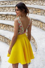 Load image into Gallery viewer, Yellow Floral Satin Illusion Back Daffodil V Neck Homecoming Dresses Short Cocktail XHMPST14549