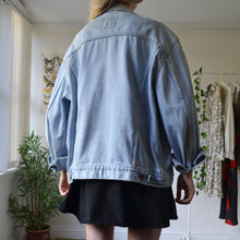 Load image into Gallery viewer, Levis denim jacket