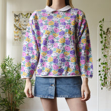 Load image into Gallery viewer, Floral collar sweatshirt
