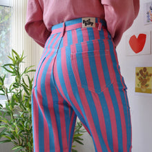 Load image into Gallery viewer, Bubblegum jeans