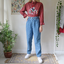 Load image into Gallery viewer, Pleated jeans 29W