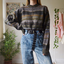 Load image into Gallery viewer, Velvet stripe sweatshirt