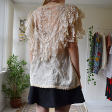 Load image into Gallery viewer, Lacey blouse