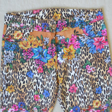 Load image into Gallery viewer, Tropical leopard trousers