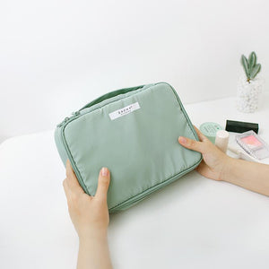 (BUY TWO FREE SHIPPING)Travel Makeup Bag