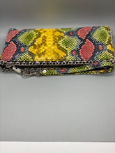 Load image into Gallery viewer, Queen Clutch Purse
