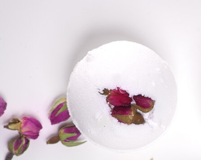 Iyoba - Bath Bomb - Rose + Sandalwood