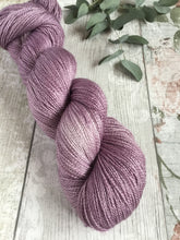 Load image into Gallery viewer, BFL/Silk Gleam Lace - Amethyst