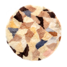 Load image into Gallery viewer, Crazy Paving Sheepskin Round Rug