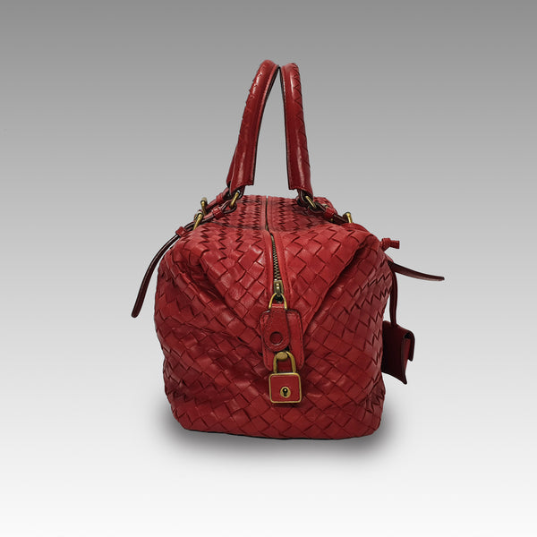 Bottega Veneta, Bottega Veneta Montaigne in Carmine Shoulder Bag - CHLOEZACH