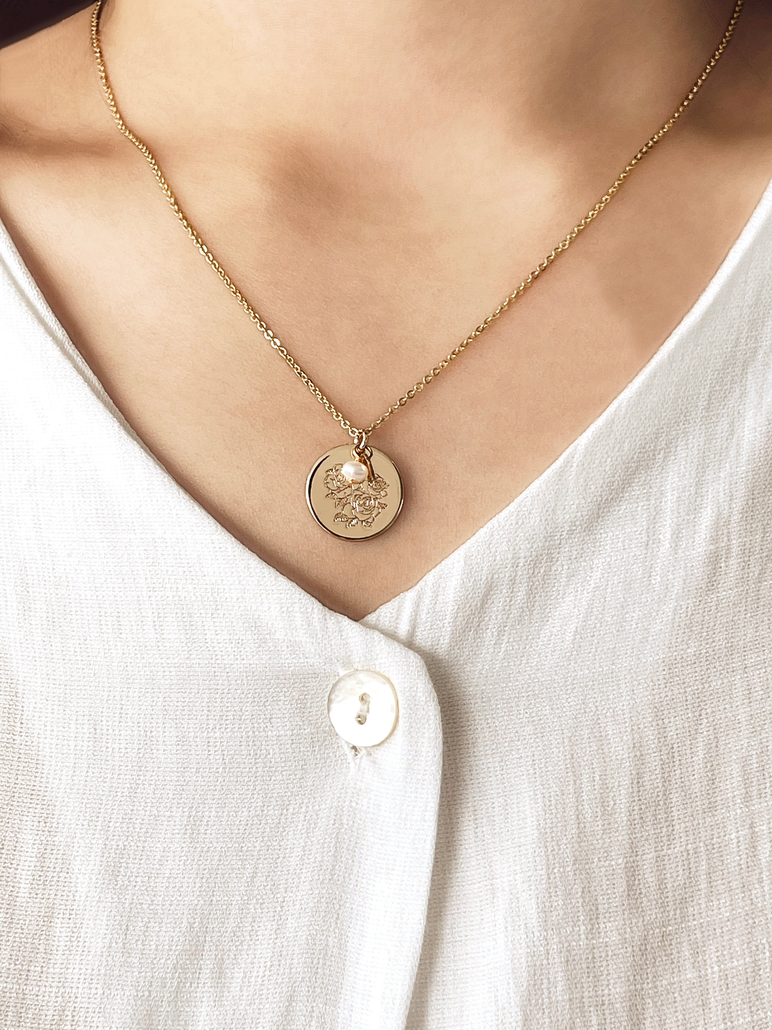 Fleur Disc Necklace with freshwater pearl and gold plated heart