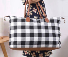 Load image into Gallery viewer, BUFFALO Plaid Weekend Bags