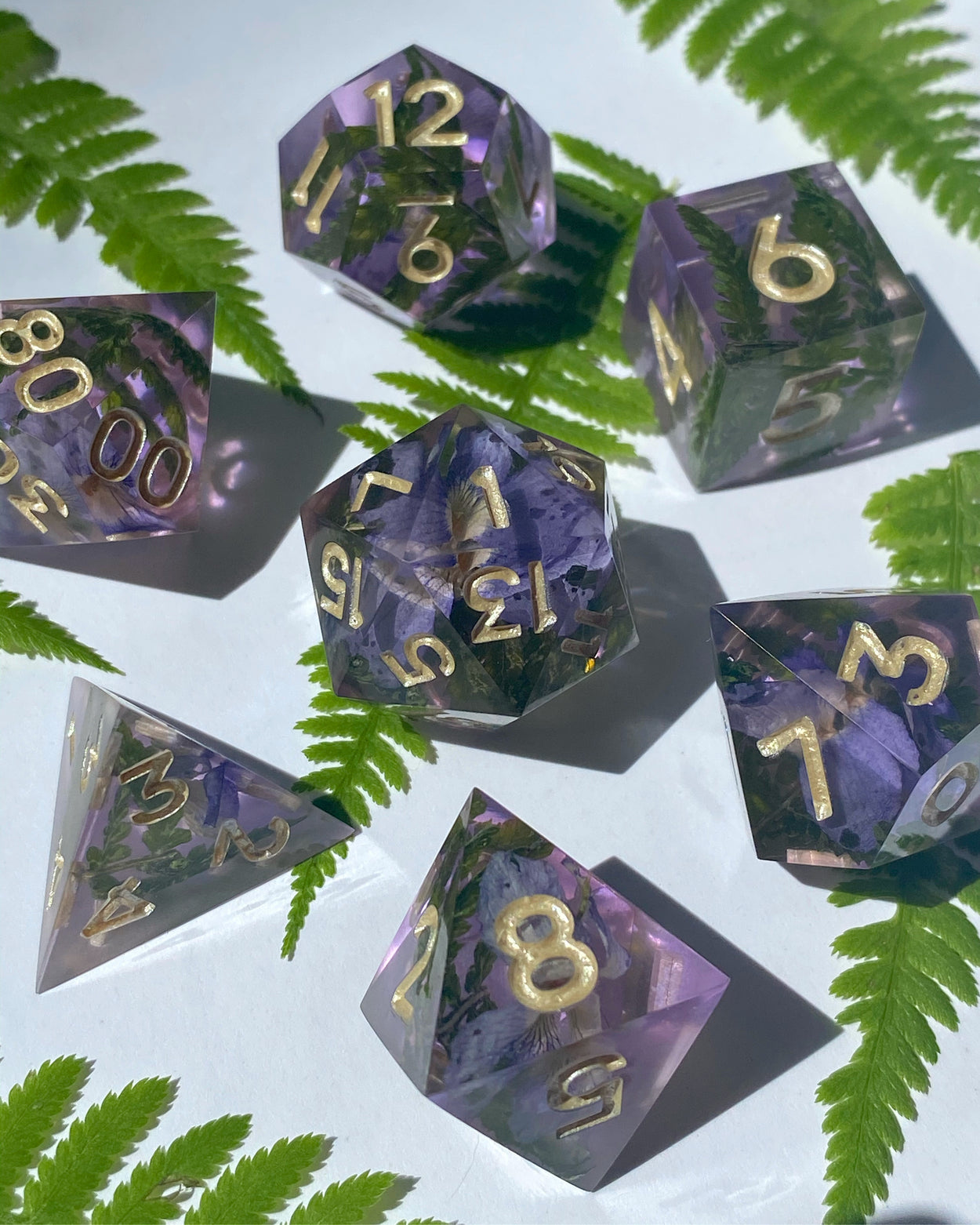 Violet Evergarden 7-Piece Dice Set