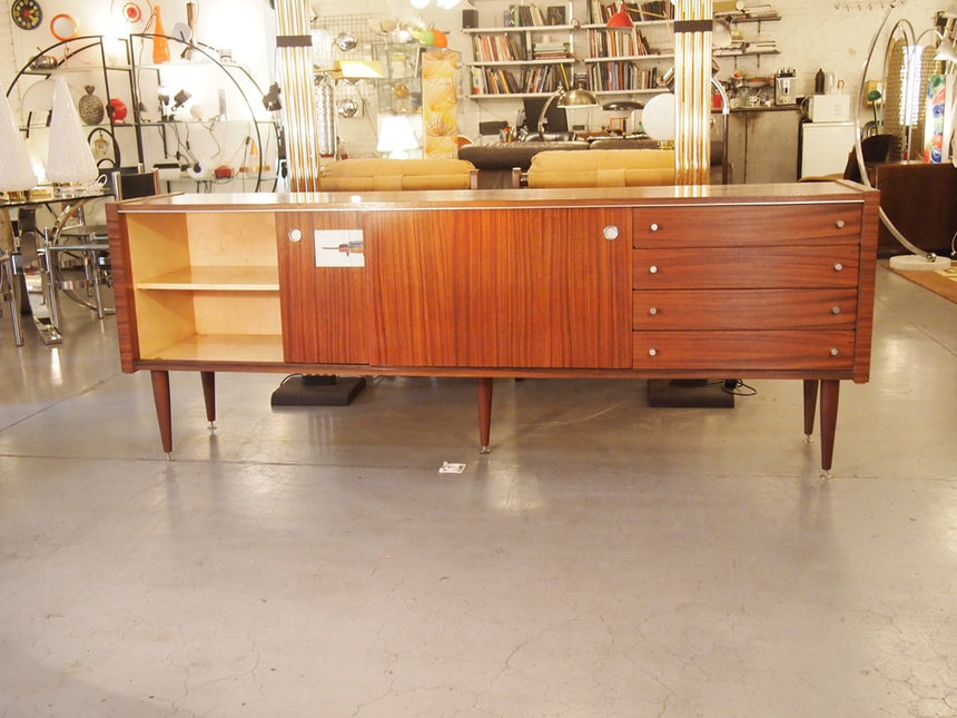 Sideboard in rosewood and ceramic attributed to Alfred Hendrickx designed in the 1960's. / Enfilade en palissandre et céramique des années 60 attribuée à Alfred Hendrickx.