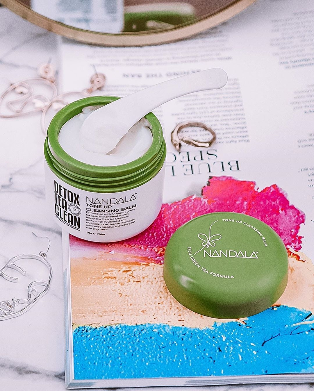 NANDALA Tone Up Cleansing Balm is a easy, on-the-go, nourishing cleansing balm infused with green tea seed oil from Jeju Island