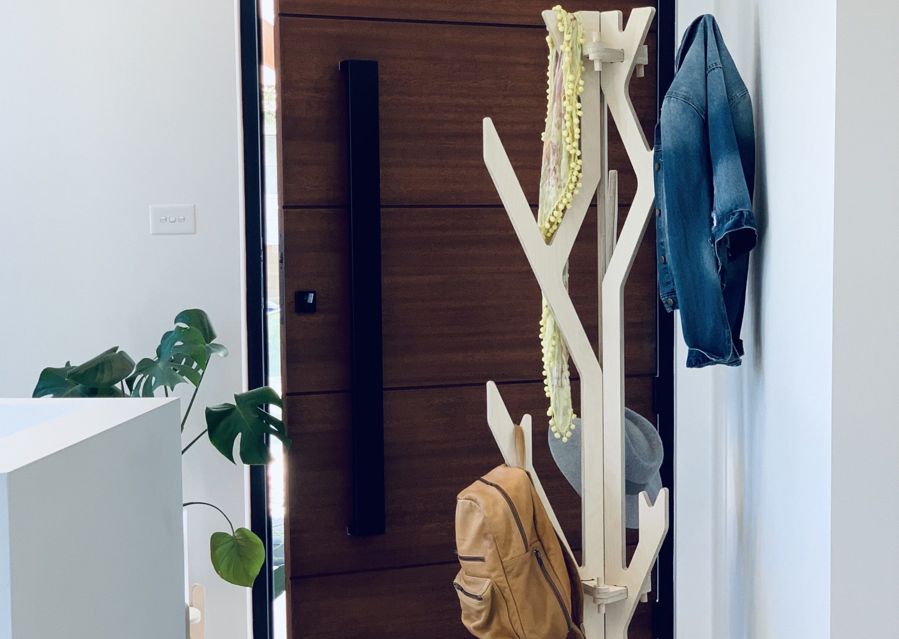 IsoKing Coat Stand and Hat Rack