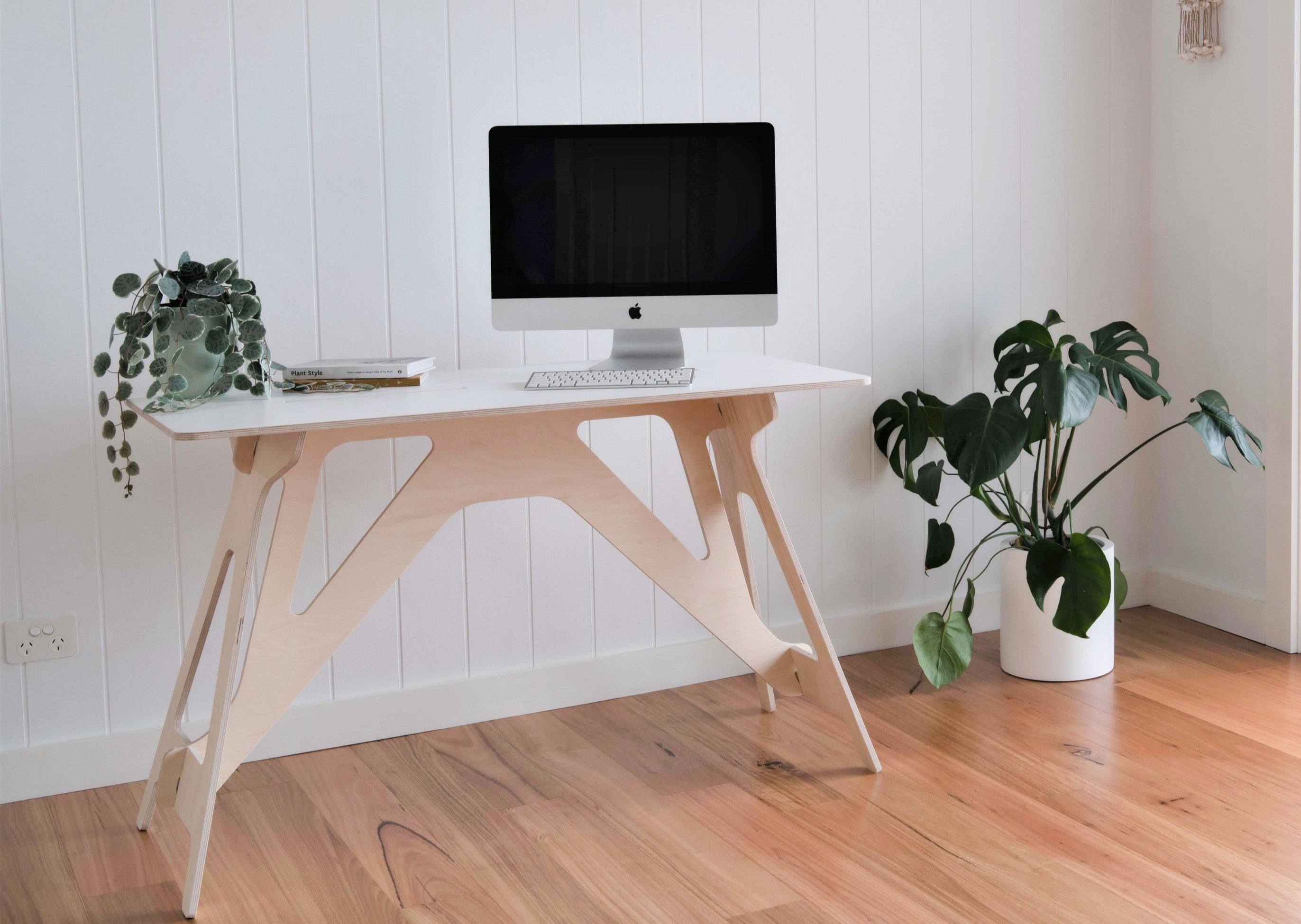 IsoKing Original Desk - White