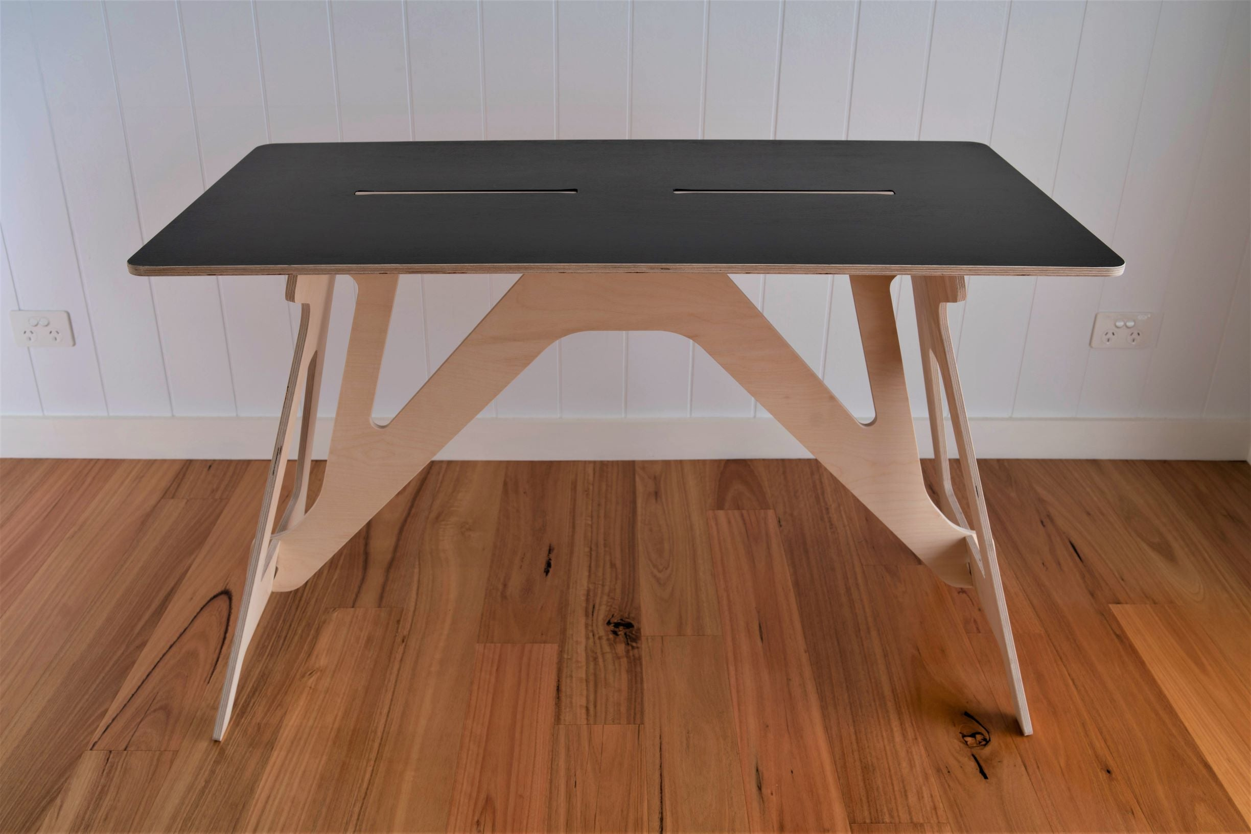 IsoKing Original Desk - Black