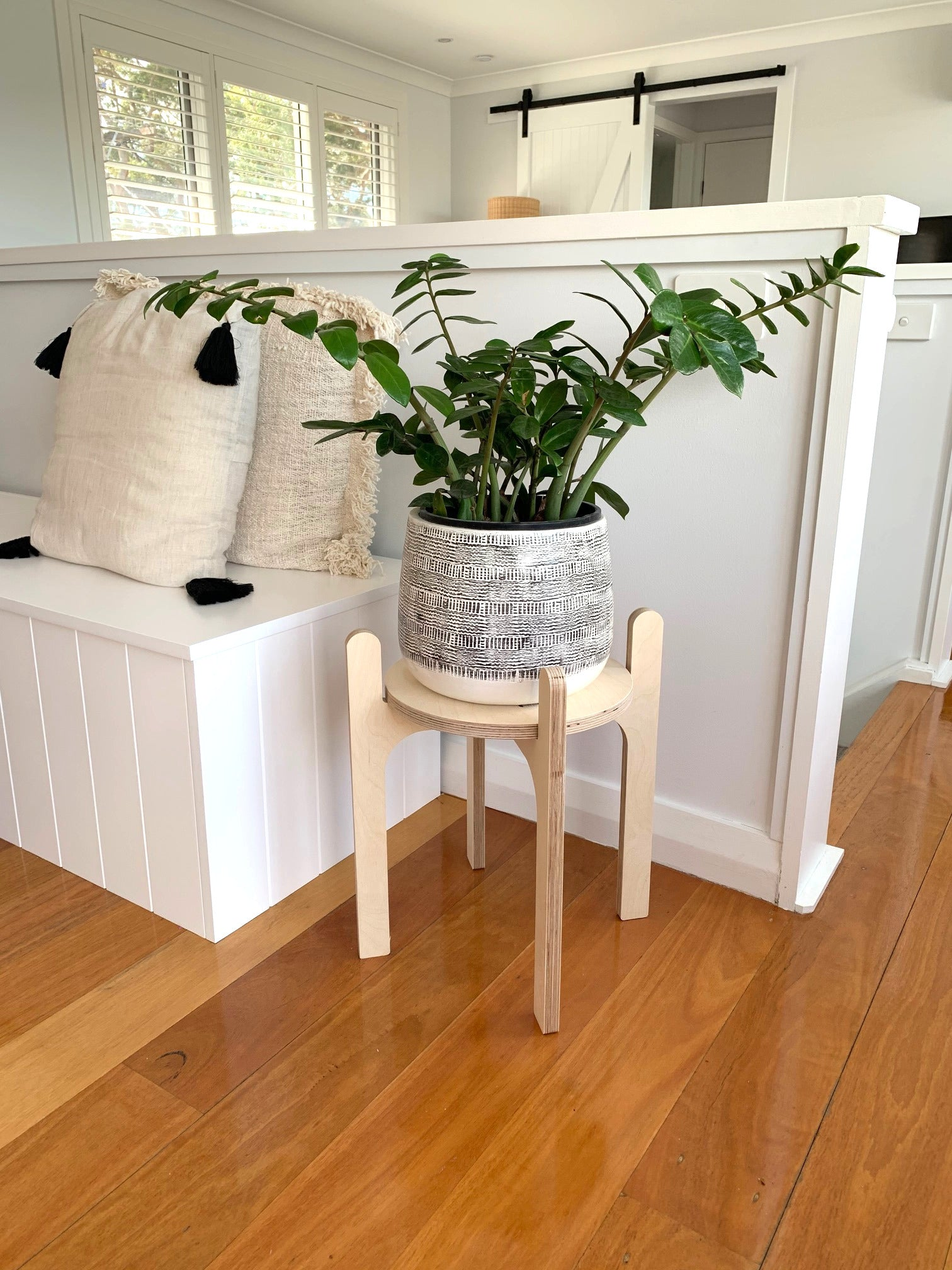 IsoKing Pot Plant Single Pot Plant Stand - Natural Birch