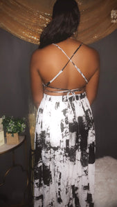 Side cut out maxi dress (black and white)