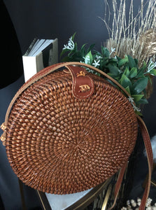 Round wooden crossbody