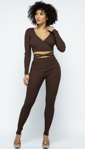 WRAP AROUND SURPLICE TOP WITH LEGGING SET Chocolate)