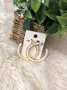 Pearl white open hoop earrings (White trimmed with gold)