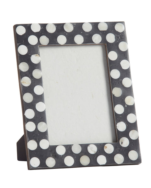 spotted-photo-frame