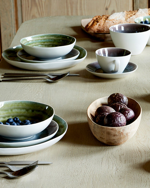 bambou-glazed-porcelain-small-salad-bowl-lifestyle-view8