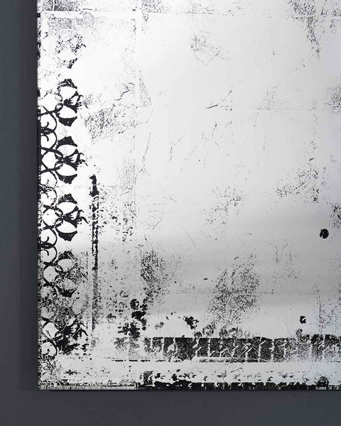 large-full-length-wall-mirror-distressed-glass-finish-h-153cm-detail