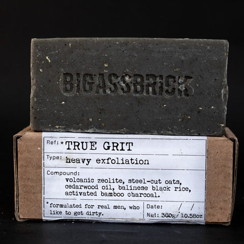 REVIEW Republic of Soap BIGASSBRICK true grit sabun lokal vegan - BeningBersinar