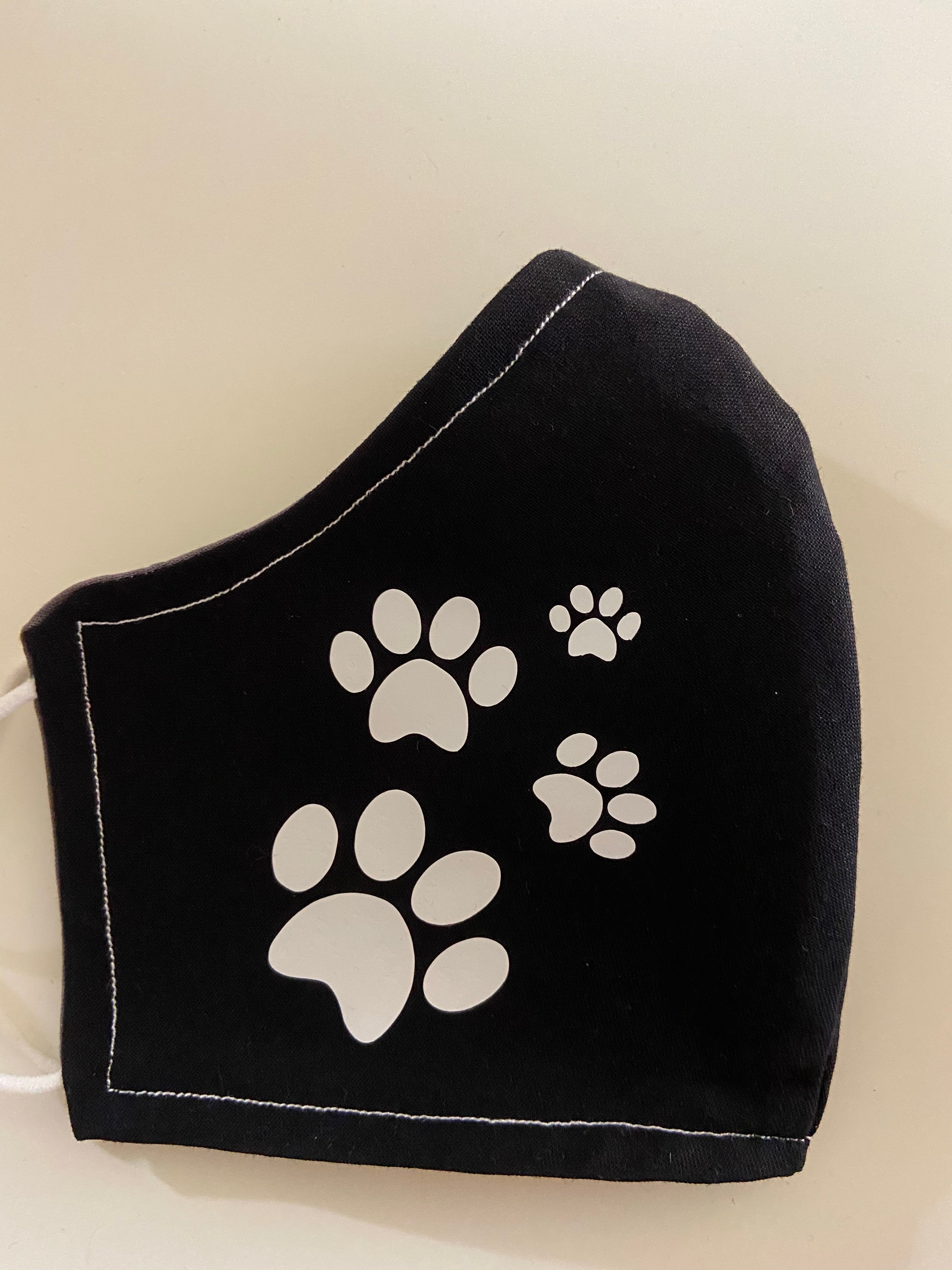 Face Cover - Weimaraner with paw prints