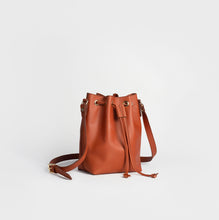 Load image into Gallery viewer, Women´s genuine leather hobo handbag - Bucket