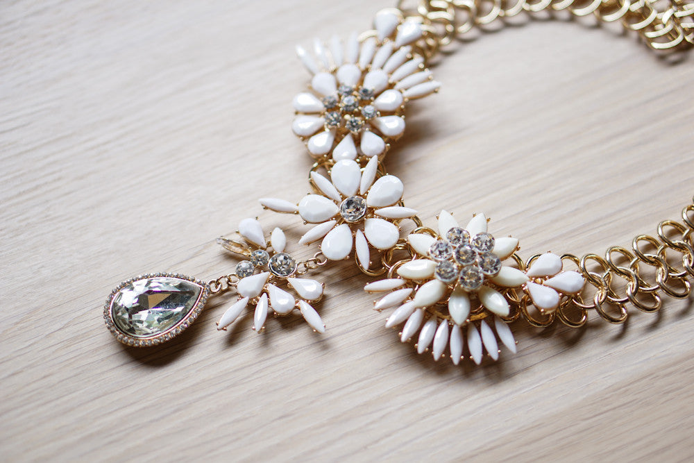 Summer Festival Necklace in White (Special Edition)