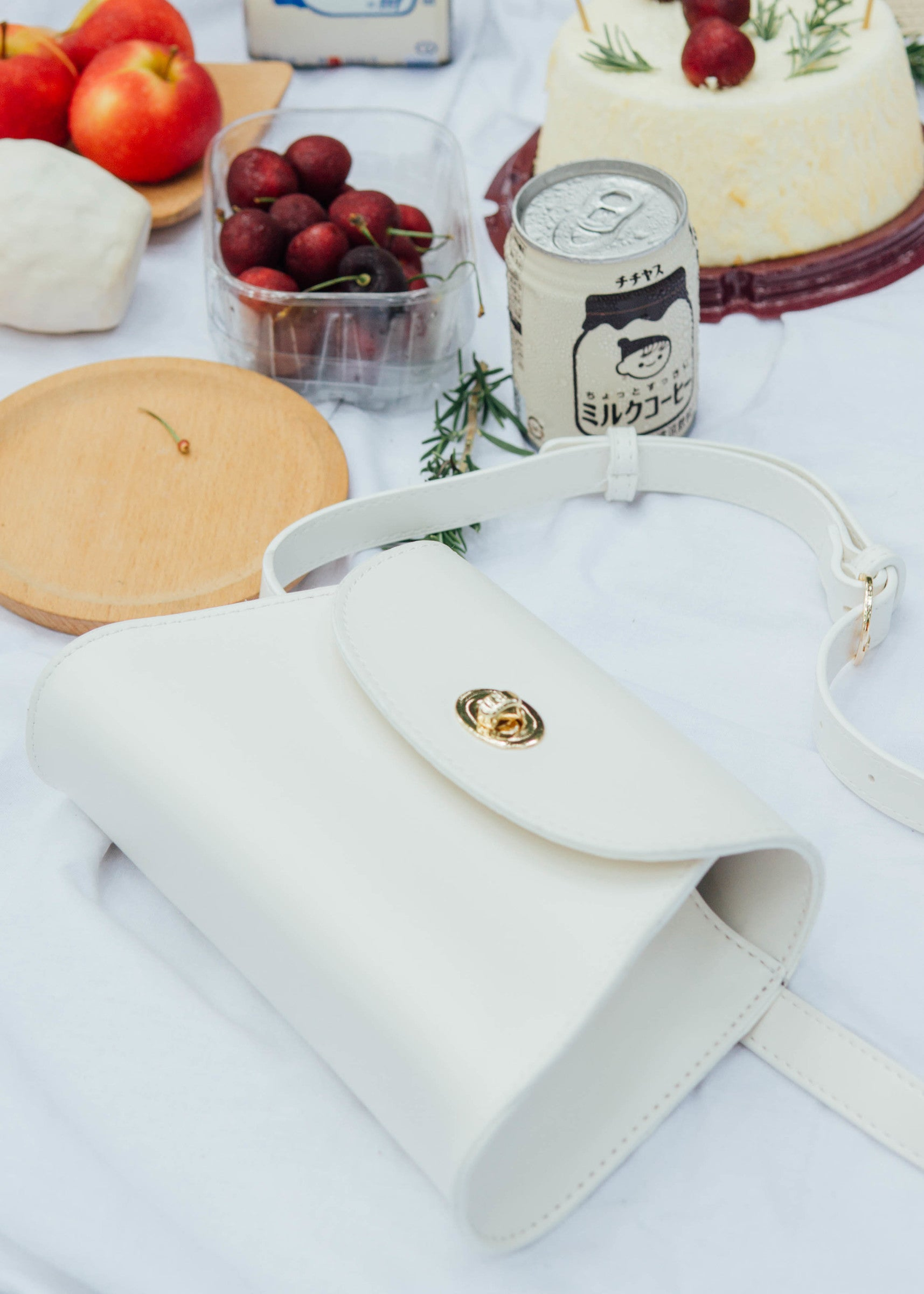 Retro niche pocket chest bag in cream white