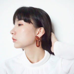 Caramel ring earring