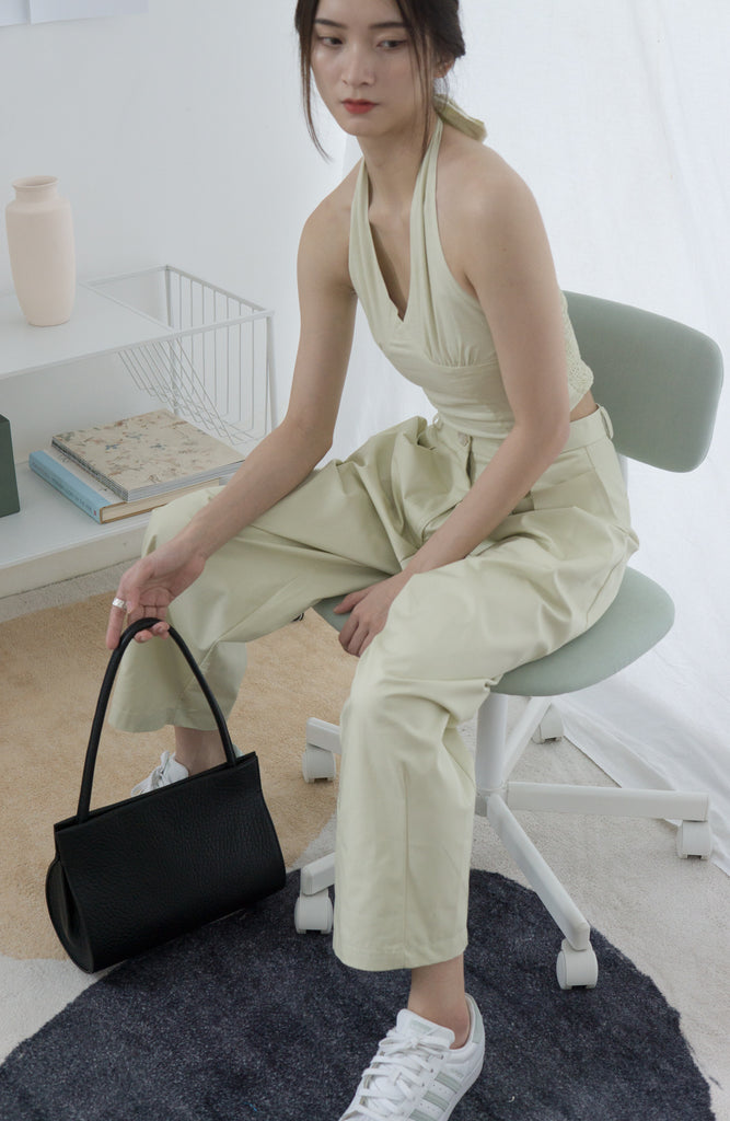 High-waisted, wide-legged nine-point pants in light green