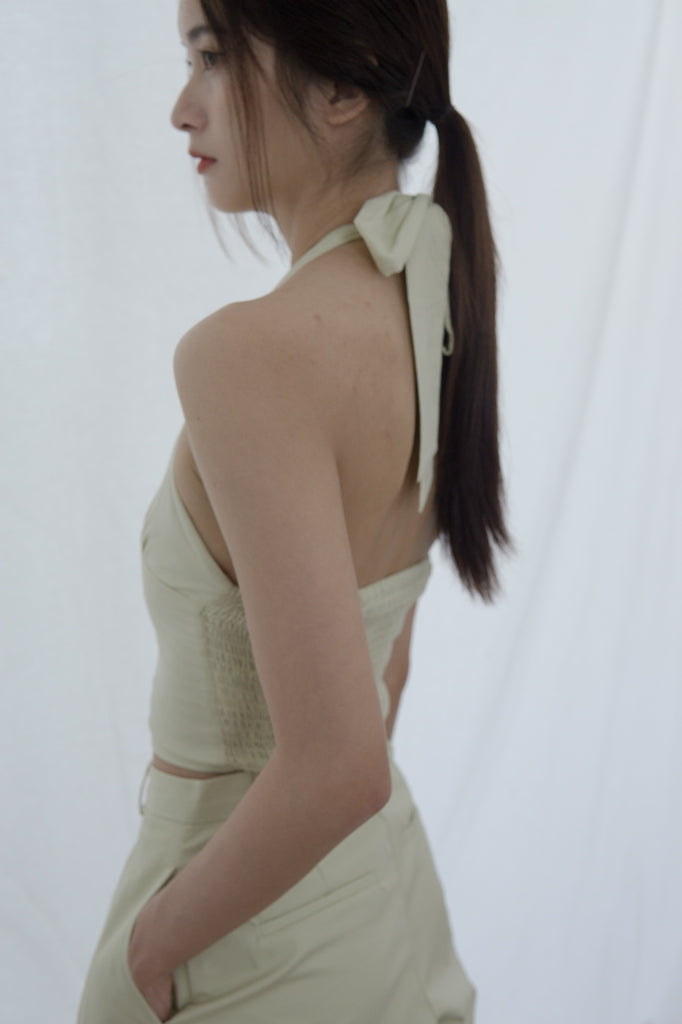 V-shaped straps halter neck sling was thin short top light grey green
