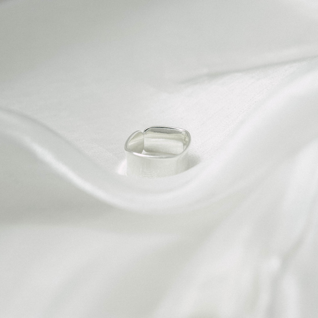 Square wide ring