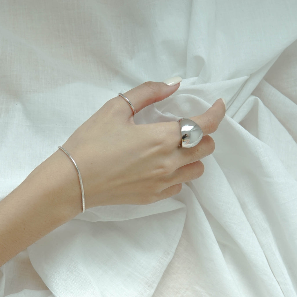 Large glossy ring