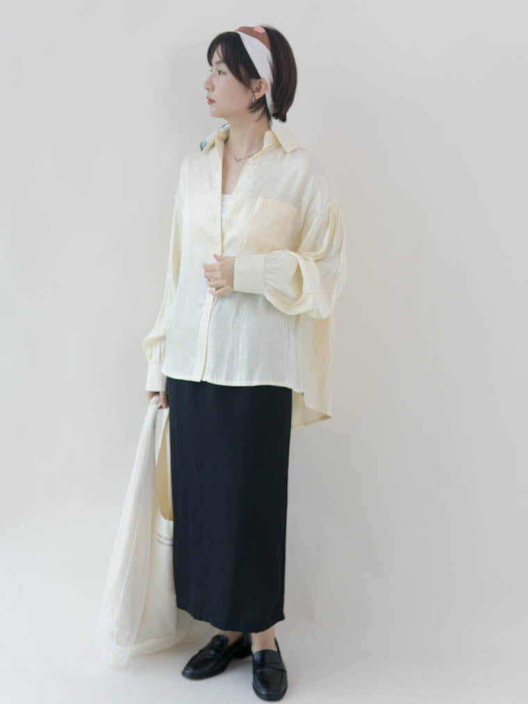 Loose mid-length loose shirt in almond