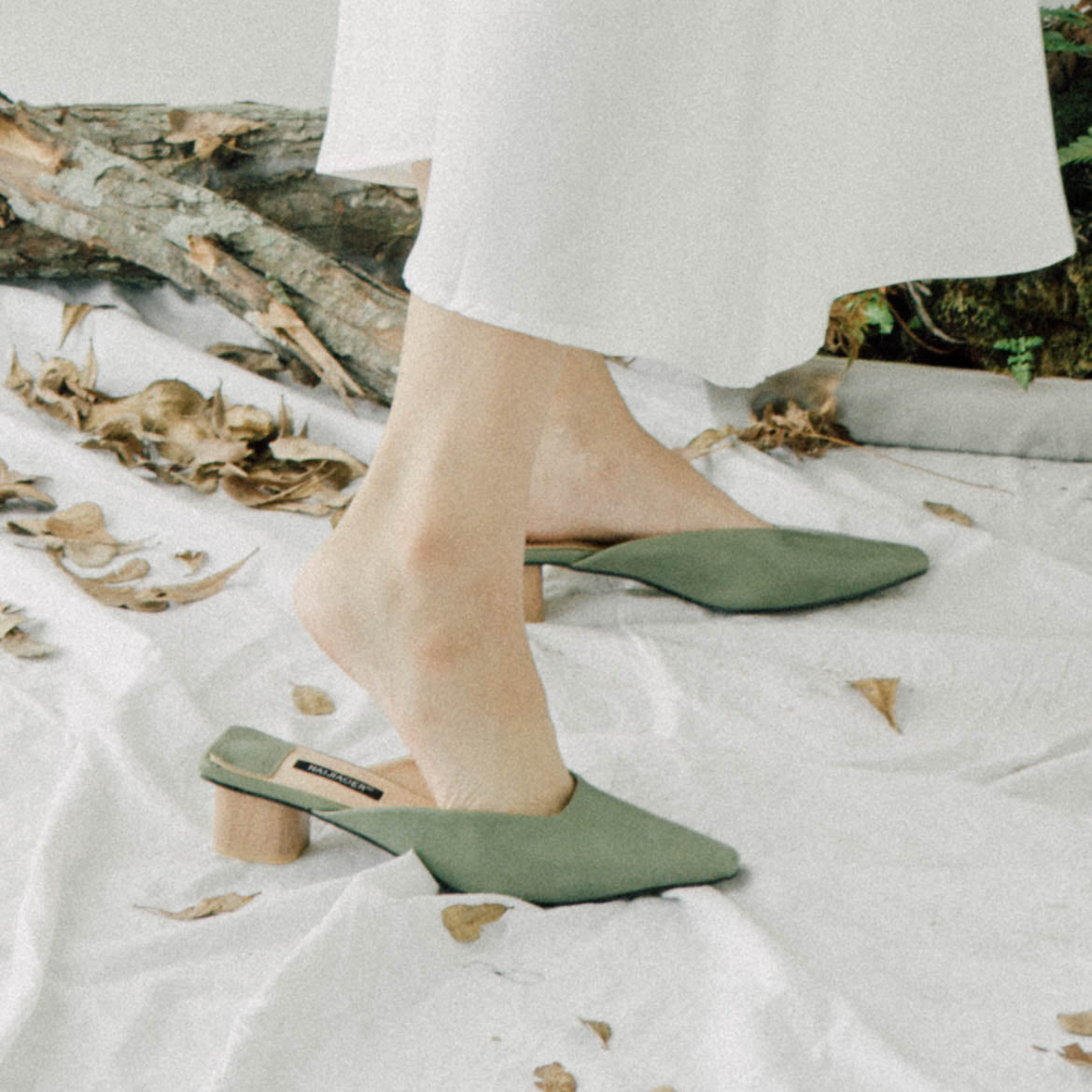 Lazy square head shallow mouth shoes in avocado green