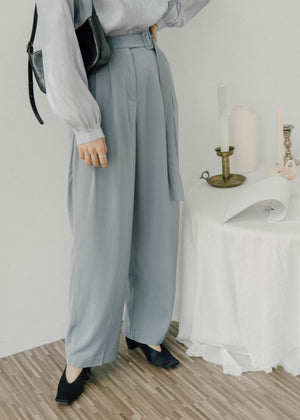 High waist long pants in baby blue
