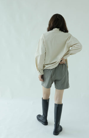 High waist wide leg shorts in grey green